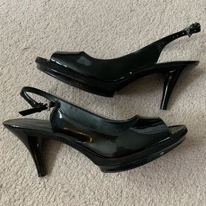 Nine West black patent leather heels peep toe pump